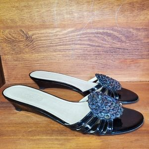 Talbots open back with rosette flats.  Sz 7.5AA
